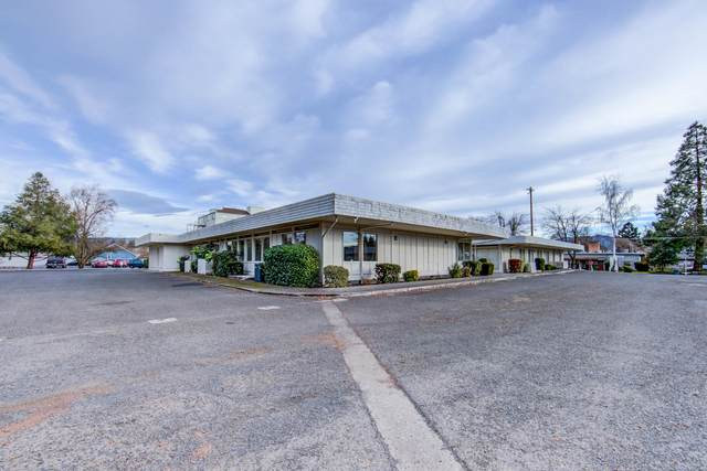 825-839 E. Main Street, Medford, OR 97504 (MLS #220101258) :: Bend Relo at Fred Real Estate Group