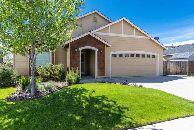 727 NE Marigold Street, Madras, OR 97741 (MLS #220101527) :: Berkshire Hathaway HomeServices Northwest Real Estate