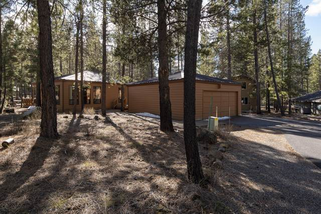 57074 Fox Lane, Sunriver, OR 97707 (MLS #220101789) :: The Ladd Group