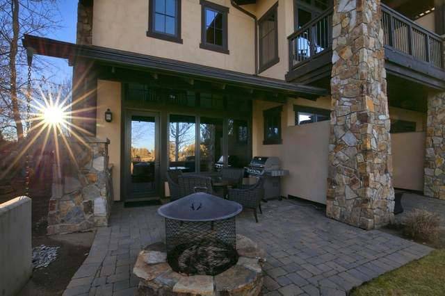 23023 Nicklaus Drive Unit 401, Bend, OR 97701 (MLS #220101792) :: Team Birtola | High Desert Realty