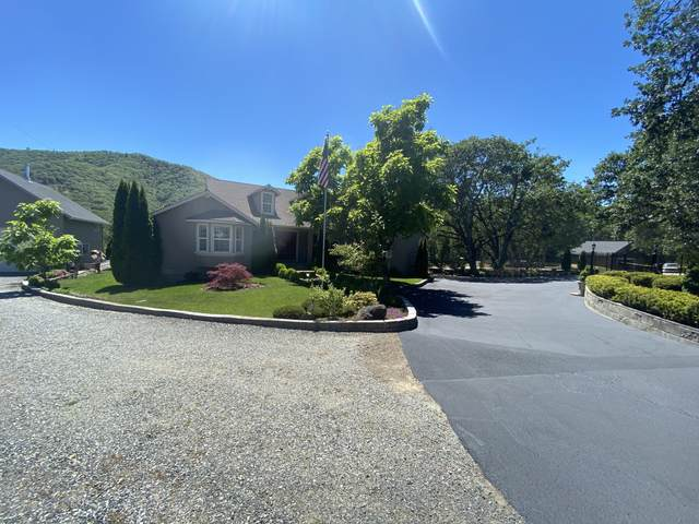 8909 John Day Drive, Gold Hill, OR 97525 (MLS #220101815) :: Windermere Central Oregon Real Estate