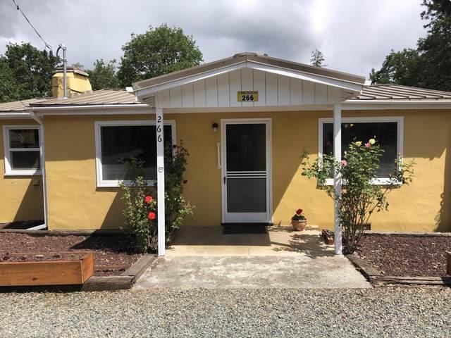266 Frankham Road, Grants Pass, OR 97527 (MLS #220101839) :: Windermere Central Oregon Real Estate