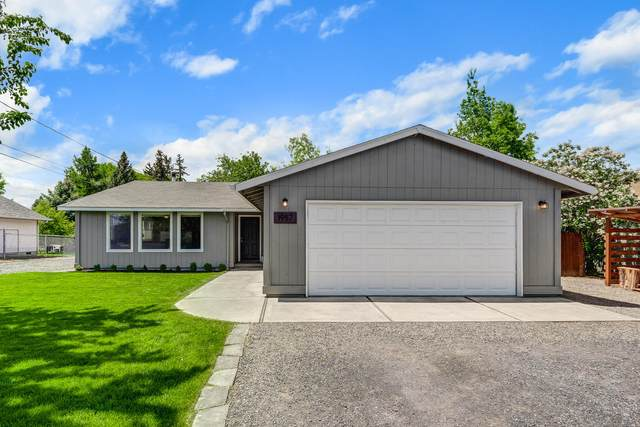 1957 SW 24th Street, Redmond, OR 97756 (MLS #220101842) :: Fred Real Estate Group of Central Oregon