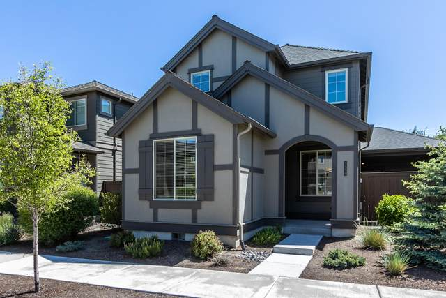 3454 SW 28th Street, Redmond, OR 97756 (MLS #220101844) :: Berkshire Hathaway HomeServices Northwest Real Estate