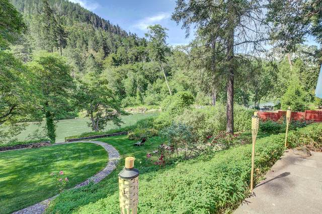 285 Avenue De Teresa, Grants Pass, OR 97526 (MLS #220101900) :: FORD REAL ESTATE