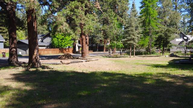 464 S Elm Street, Sisters, OR 97759 (MLS #220101921) :: Central Oregon Home Pros