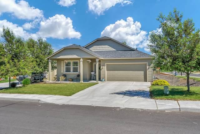 3301 NW Cedar Avenue, Redmond, OR 97756 (MLS #220101929) :: Central Oregon Home Pros