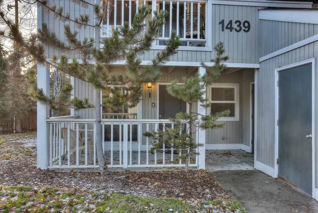 1439 NW Juniper Street Apt 1, Bend, OR 97703 (MLS #220101948) :: Central Oregon Home Pros
