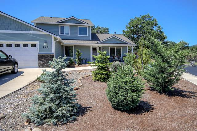 218 White Oak Way, Shady Cove, OR 97539 (MLS #220101951) :: Central Oregon Home Pros