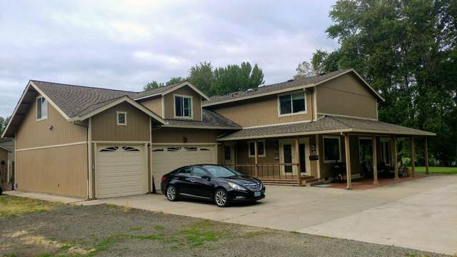 20111 Crater Lake Highway, Shady Cove, OR 97539 (MLS #220101960) :: The Ladd Group