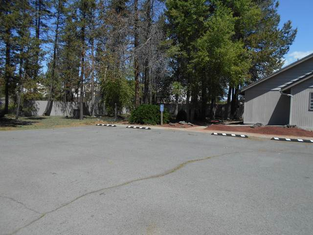 16440 3rd Street, La Pine, OR 97739 (MLS #220102112) :: Fred Real Estate Group of Central Oregon