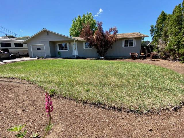 1607 SW 21st Place, Redmond, OR 97756 (MLS #220102139) :: Fred Real Estate Group of Central Oregon