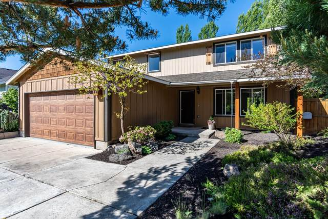 3081 NW Kelly Hill Court, Bend, OR 97703 (MLS #220102195) :: The Ladd Group