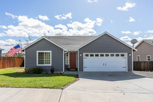 639 SW Cedar Hill Drive, Madras, OR 97741 (MLS #220102200) :: Berkshire Hathaway HomeServices Northwest Real Estate