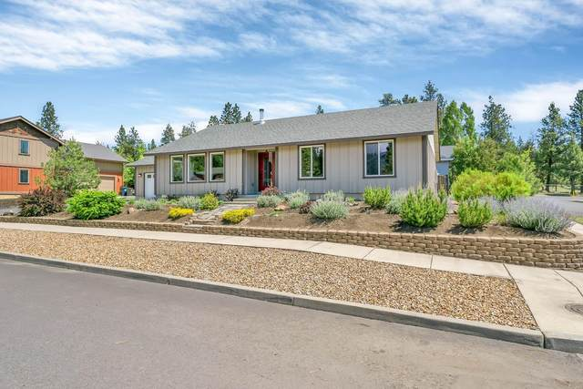 3062 NW Kelly Hill Court, Bend, OR 97703 (MLS #220102212) :: Fred Real Estate Group of Central Oregon