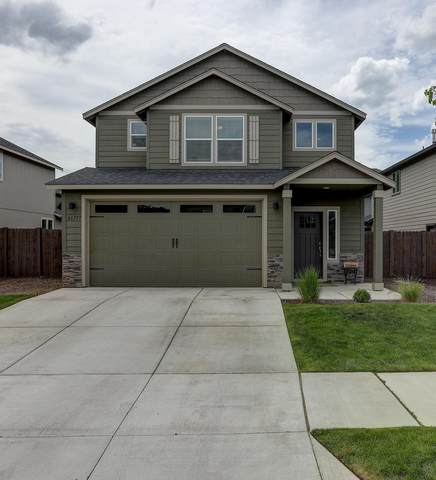 61777 Camellia Street, Bend, OR 97702 (MLS #220102236) :: The Ladd Group