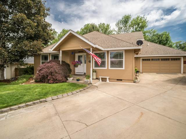 175 Offord Circle, Jacksonville, OR 97530 (MLS #220102244) :: The Ladd Group