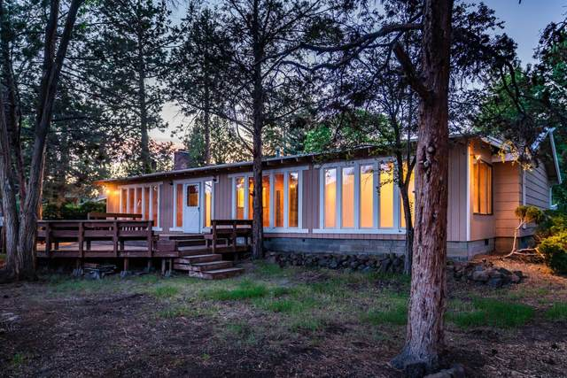 2702 NE Canyon Park Place, Bend, OR 97701 (MLS #220102291) :: The Ladd Group