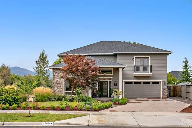 3644 Creek View Drive, Medford, OR 97504 (MLS #220102305) :: Berkshire Hathaway HomeServices Northwest Real Estate