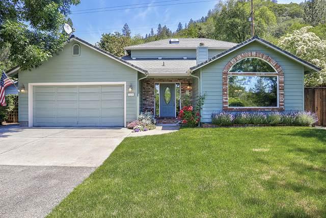 1675 NE Terrace Drive, Grants Pass, OR 97526 (MLS #220102311) :: Berkshire Hathaway HomeServices Northwest Real Estate