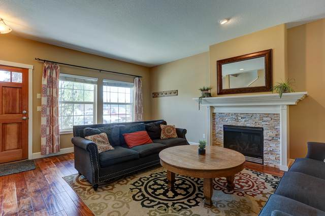 20530 Barrows Court Court, Bend, OR 97702 (MLS #220102326) :: Berkshire Hathaway HomeServices Northwest Real Estate