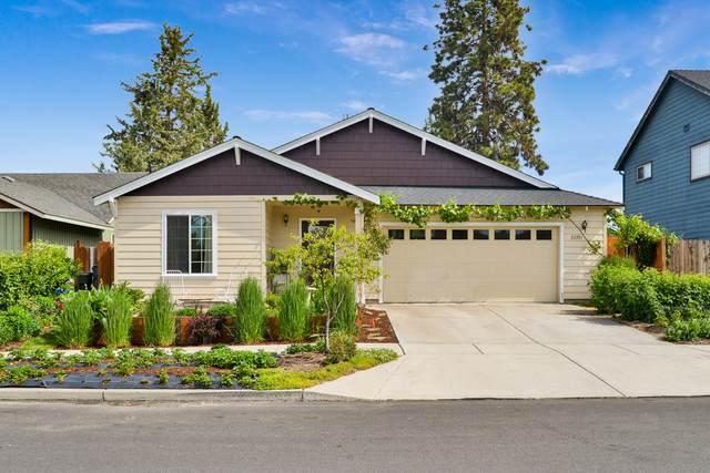 20391 Shetland Loop, Bend, OR 97701 (MLS #220102327) :: Berkshire Hathaway HomeServices Northwest Real Estate
