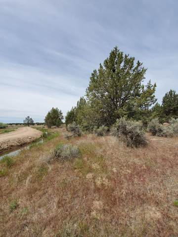 6152 N W Demaris Street, Prineville, OR 97754 (MLS #220102329) :: Team Birtola | High Desert Realty