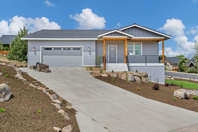 2309 SW Valleyview Drive, Redmond, OR 97756 (MLS #220102344) :: Coldwell Banker Bain