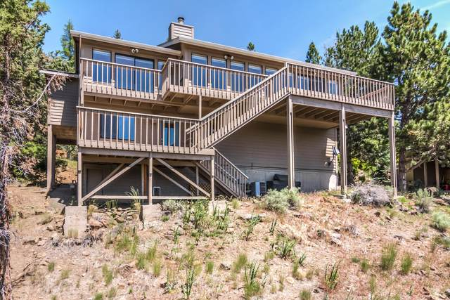1929 NW Vicksburg Avenue, Bend, OR 97703 (MLS #220102368) :: Fred Real Estate Group of Central Oregon