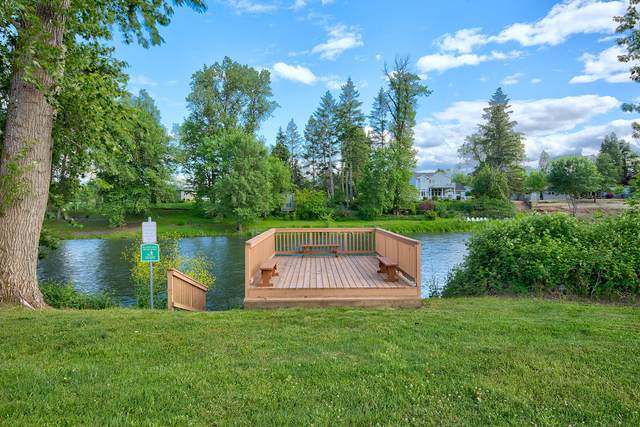 320 Sandlewood Drive, Grants Pass, OR 97526 (MLS #220102383) :: The Ladd Group