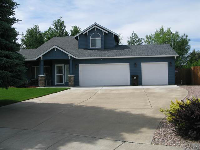 2041 NW 21st Court, Redmond, OR 97756 (MLS #220102384) :: Stellar Realty Northwest