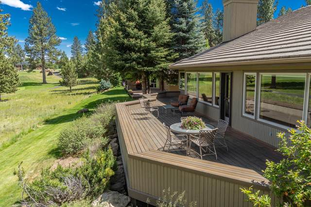 61848 Red Meadow Court, Bend, OR 97702 (MLS #220102396) :: Coldwell Banker Bain
