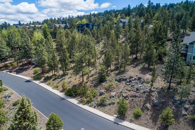 3333 NW Panorama Drive, Bend, OR 97703 (MLS #220102410) :: Coldwell Banker Bain