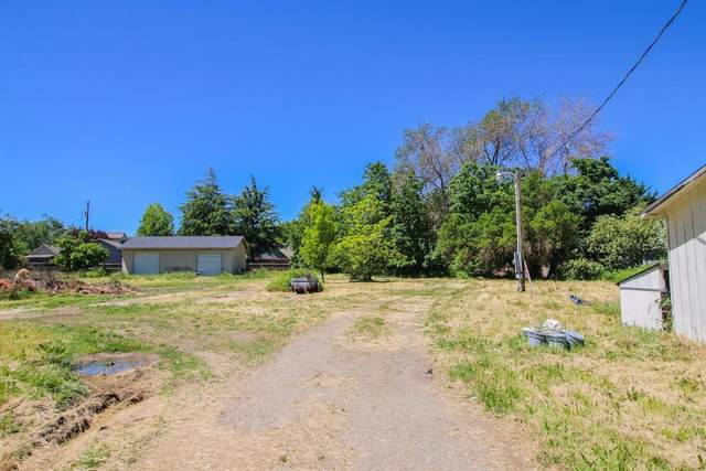 785 Bybee Drive, Jacksonville, OR 97530 (MLS #220102424) :: Premiere Property Group, LLC