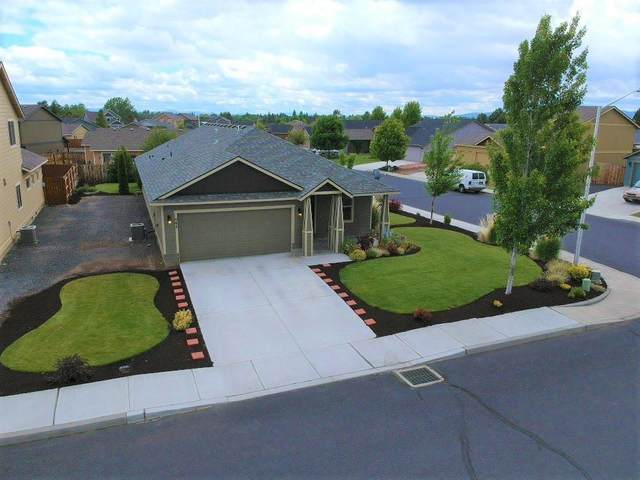 998 SW 26th Lane, Redmond, OR 97756 (MLS #220102429) :: Stellar Realty Northwest