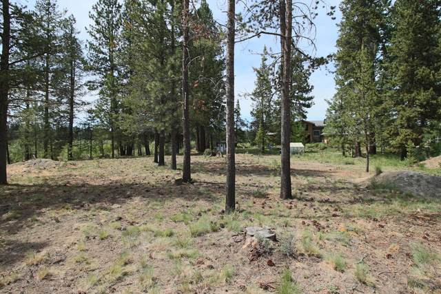 54637 Silver Fox Drive, Bend, OR 97707 (MLS #220102625) :: Fred Real Estate Group of Central Oregon