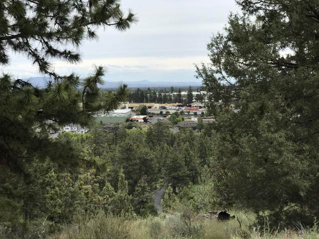 3287 NW Fairway Heights Drive, Bend, OR 97703 (MLS #220102829) :: Team Birtola | High Desert Realty