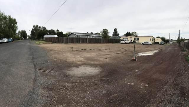 820 Wilson Avenue, Metolius, OR 97741 (MLS #220102831) :: Premiere Property Group, LLC