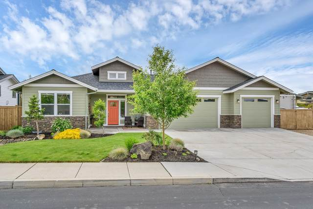 4662 SW Yew Leaf Court, Redmond, OR 97756 (MLS #220103036) :: Bend Relo at Fred Real Estate Group