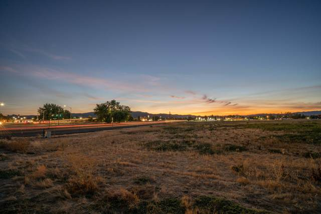 TL500/600 Peninger Road, Central Point, OR 97502 (MLS #220103188) :: Chris Scott, Central Oregon Valley Brokers