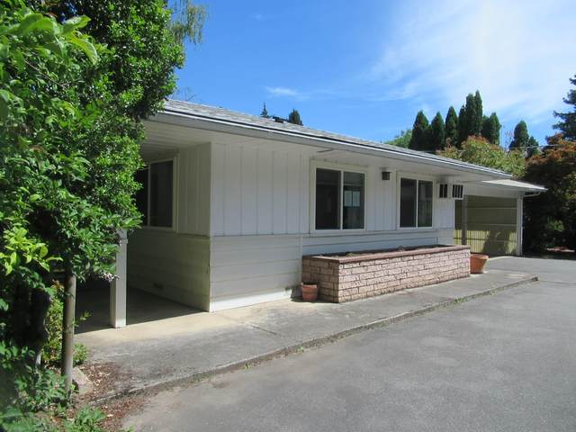 212 W Main Street, Rogue River, OR 97537 (MLS #220103212) :: Berkshire Hathaway HomeServices Northwest Real Estate