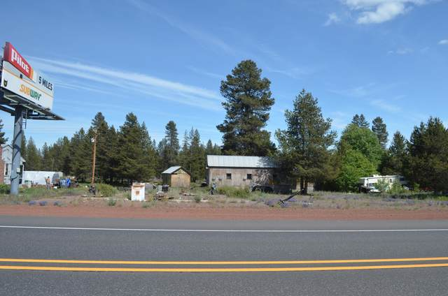 Hwy 97, Chemult, OR 97731 (MLS #220103224) :: Fred Real Estate Group of Central Oregon