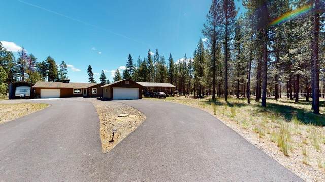 52520 Center Drive, La Pine, OR 97739 (MLS #220103231) :: Central Oregon Home Pros