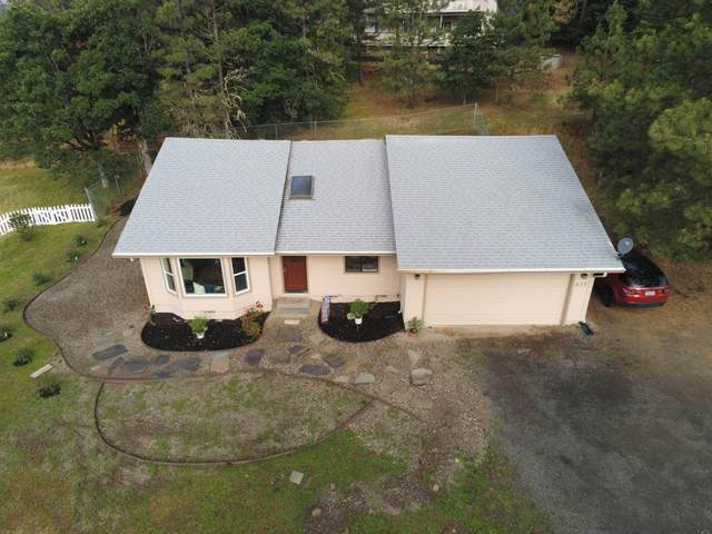 625 Kinworthy Drive, Shady Cove, OR 97539 (MLS #220103457) :: Berkshire Hathaway HomeServices Northwest Real Estate
