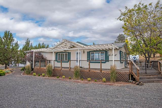 8528 SW Shad Road, Terrebonne, OR 97760 (MLS #220103463) :: Team Birtola | High Desert Realty