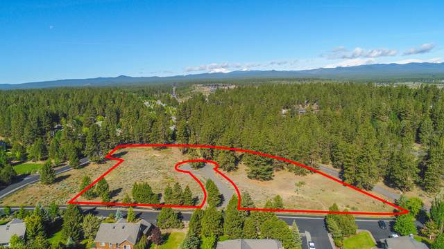 61355 August Lane, Bend, OR 97702 (MLS #220103486) :: Coldwell Banker Sun Country Realty, Inc.
