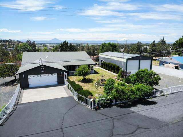 9047 13th Street, Terrebonne, OR 97760 (MLS #220103561) :: Team Birtola | High Desert Realty
