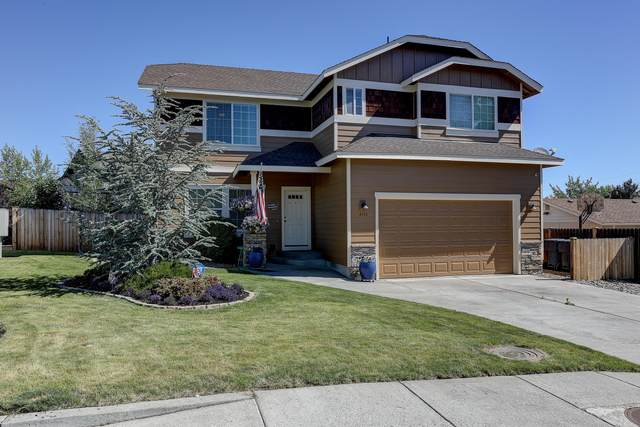 2155 SW Pumice Avenue, Redmond, OR 97756 (MLS #220103568) :: Fred Real Estate Group of Central Oregon