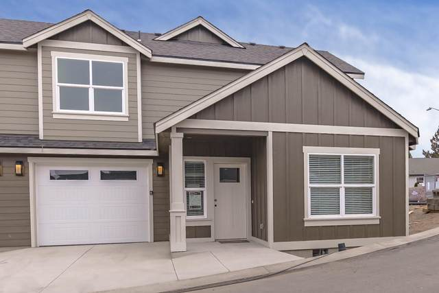 2755 SW Greens Boulevard #3, Redmond, OR 97756 (MLS #220103638) :: Berkshire Hathaway HomeServices Northwest Real Estate
