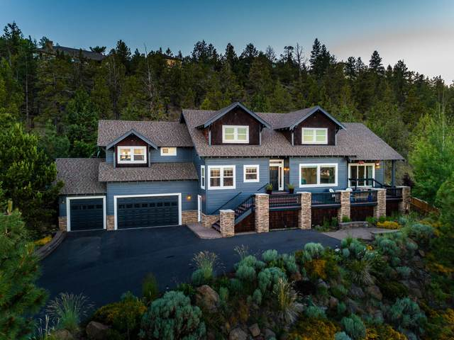 3073 NW Colonial Drive, Bend, OR 97703 (MLS #220103770) :: Bend Relo at Fred Real Estate Group